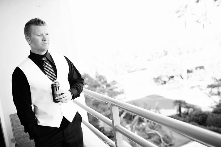 hunting-beach-waterfront-hilton-wedding-10