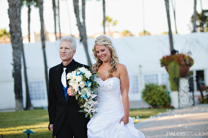 hunting-beach-waterfront-hilton-wedding-12